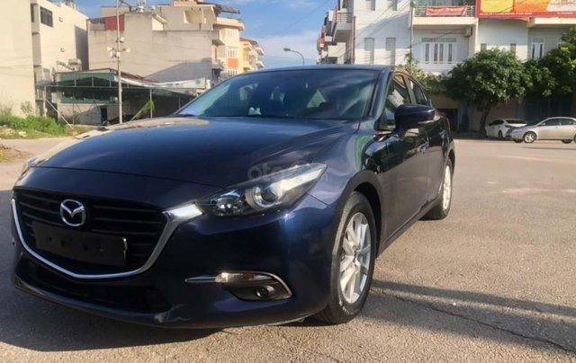 Bán gấp với giá ưu đãi nhất chiếc Mazda 3 1.5 AT đời 2017, màu xanh đen, xe giá thấp, động cơ ổn định0