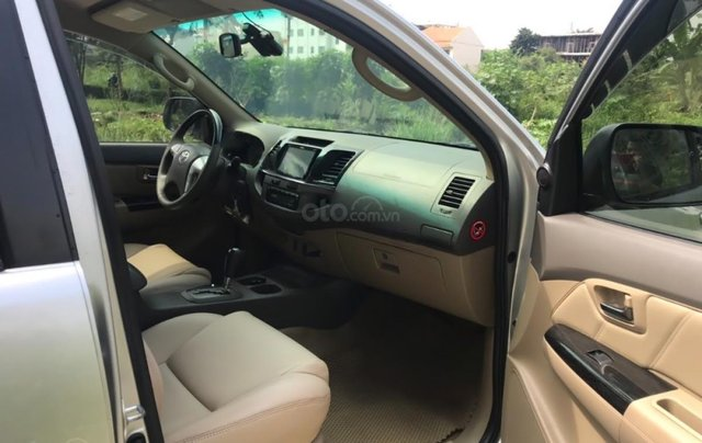 Cần bán xe Toyota Fortuner 2.7V 4x2 AT 20133