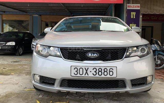 Bán gấp với giá ưu đãi nhất chiếc Kia Cerato đời 2009, màu bạc, giao nhanh0