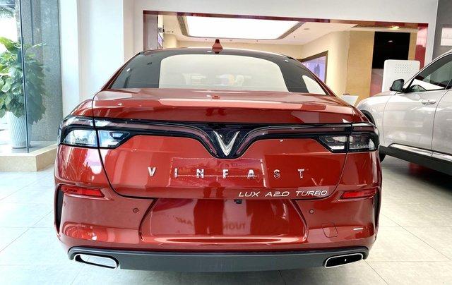 Vinfast Lux A 2.0 khuyến mãi lớn 11/2020, giá lăn bánh từ 952 triệu, gọi trực tiếp để có giá tốt nhất2