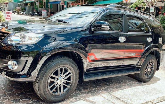 Xe Toyota Fortuner đời 2015, màu đen, bán giá tốt0