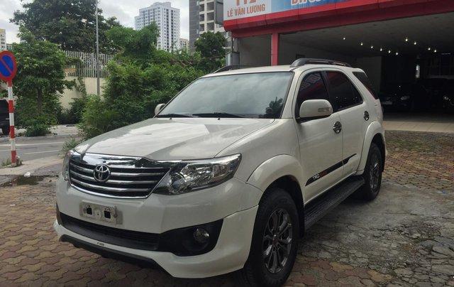 Bán nhanh Toyota Fortuner đời 2014, màu trắng0