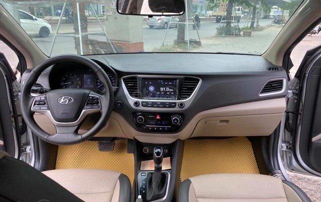 Bán nhanh chiếc Hyundai Accent 1.4 ATH bản đặc biệt màu bạc, giá ưu đãi2