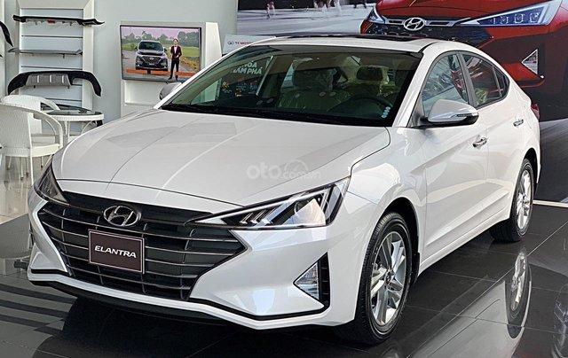 Hyundai Elantra 2020 ưu đãi cực lớn, giảm ngay 50% thuế trước bạ + tặng tiền và phụ kiện0