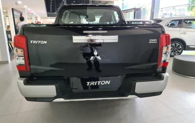 Toàn quốc xả tồn kho Triton 4x4 AT 2020 màu đen, giảm 60 triệu2