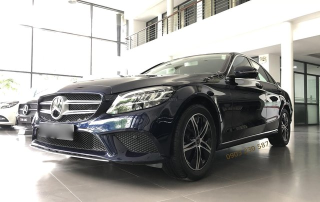 Bán xe Mercedes C180 lướt chính hãng model 2020 giá 1,28 tỷ bảo hành nhà máy 2,5 năm0