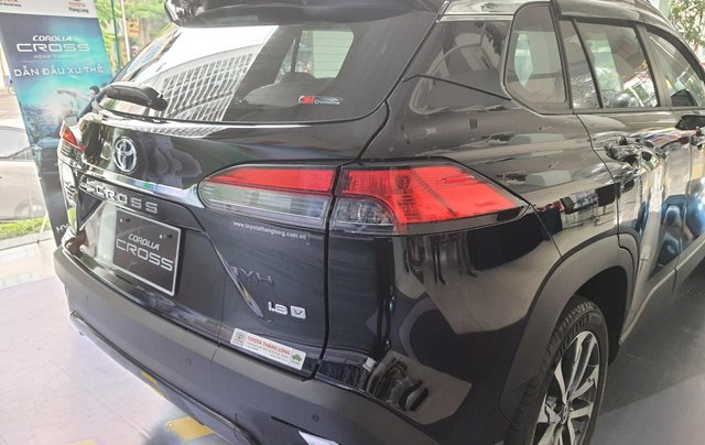 Giá xe Toyota Cross 1.8V 2020 cực hot Hà Nội, nhiều màu giao ngay, hỗ trợ trả góp lãi suất ưu đãi5
