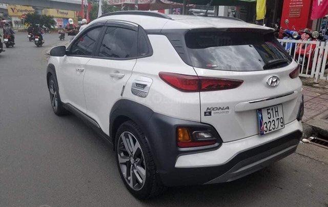 Bán gấp chiếc Hyundai Kona Tubor sản xuất năm 2020, xe mới mua và đi cực ít0