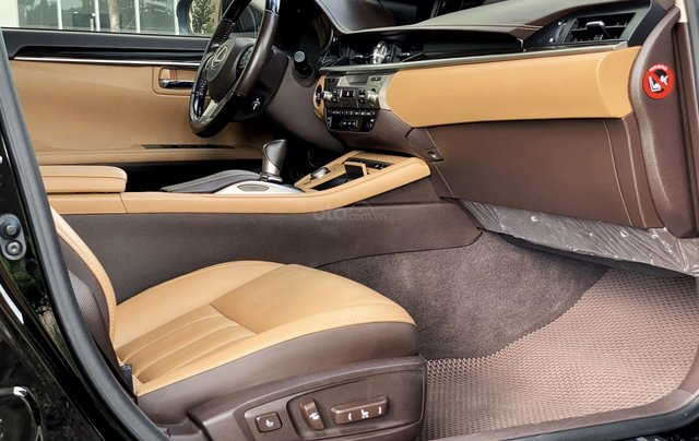 Lexus ES 350, xe nhập như mới8
