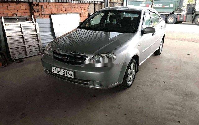 Cần bán Daewoo Lacetti năm sản xuất 2009, màu bạc0