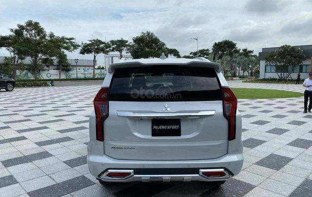 New Pajero Sport 2020 - chiếc SUV thực thụ đẳng cấp nhất phân khúc, tặng iphone 11 Pro Max khi mua xe4