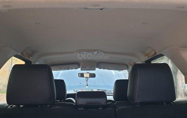 Bán xe Ford Escape số tự động màu đen, sản xuất 2011, trang bị đầy đủ các tiện ích của xe, nội ngoại thất còn rất đẹp9