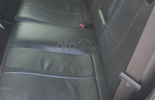 Bán xe Ford Escape số tự động màu đen, sản xuất 2011, trang bị đầy đủ các tiện ích của xe, nội ngoại thất còn rất đẹp4