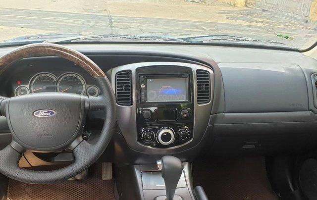 Bán xe Ford Escape số tự động màu đen, sản xuất 2011, trang bị đầy đủ các tiện ích của xe, nội ngoại thất còn rất đẹp7