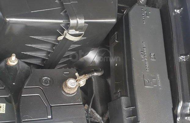 Bán xe Ford Escape số tự động màu đen, sản xuất 2011, trang bị đầy đủ các tiện ích của xe, nội ngoại thất còn rất đẹp10