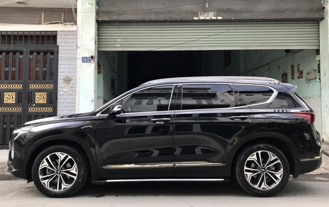 Hyundai SantaFe Premium 2.2L HTRAC, 2019, lướt 4.800km hỗ trợ trả góp11
