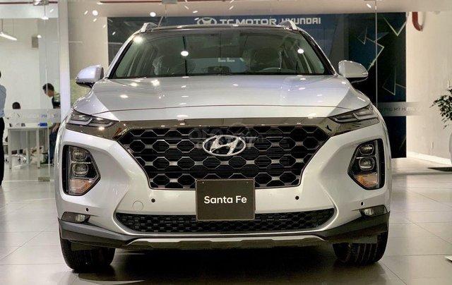 Hyundai Santa Fe tiêu chuẩn xăng giảm 50% thuế trước bạ - KM tiền mặt + phụ kiện lên đến 35tr0