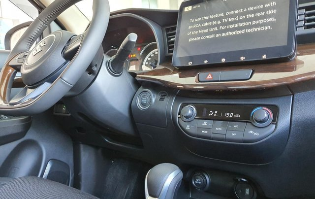 Suzuki Ertiga full option giá cực sốc, hỗ trợ trả góp cực cao, chỉ còn vài xe trả trước 100 triệu có xe lăn bánh6