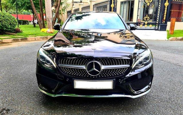 Bán Mercedes-Benz C300 cũ 2019, màu đen, nội thất đỏ duy nhất0