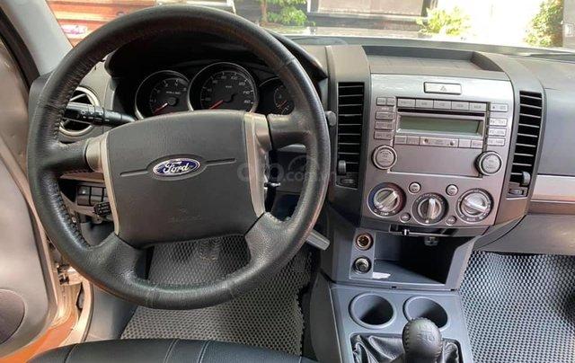 Ford Everest màu phấn hồng, SX 2015. Giá 535tr1
