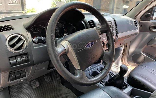 Ford Everest màu phấn hồng, SX 2015. Giá 535tr3