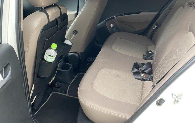 Chính chủ cần bán xe Hyundai Grand i10 sedan, số sàn, đời 2017, mới chạy 18000km12