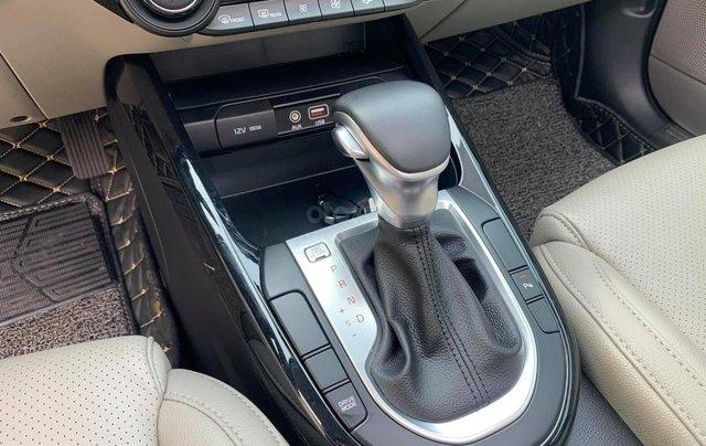Bán nhanh chiếc Kia Cerato Luxury đời 2019, số tự động3