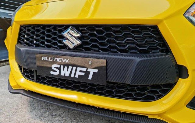 Bán xe hơi Suzuki Swift 1.2 CVT màu vàng nhập khẩu Thái Lan3