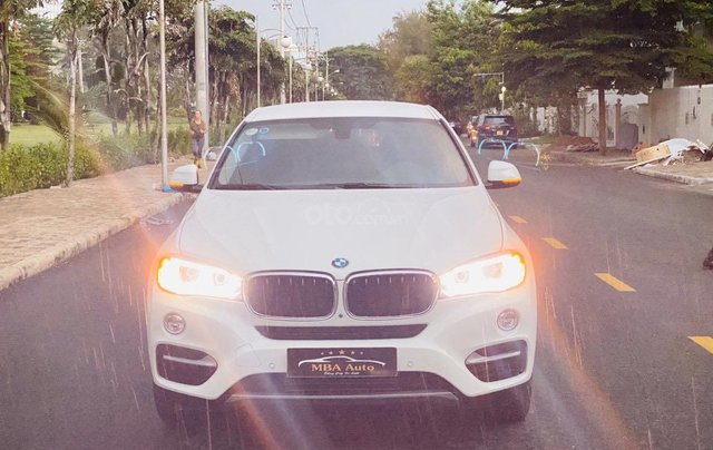 Bán xe BMW X6 đăng ký lần đầu 2017, màu trắng ít sử dụng giá chỉ 2 tỷ 679 triệu đồng0