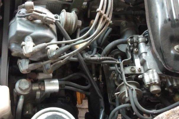 Toyota nhập khẩu sx 1995 máy 2.0 xe 4 cửa chạy 110.000km 9L/100km nội thất ghi máy xăng. Đăng kí 3 chỗ số tay, màu trắng8
