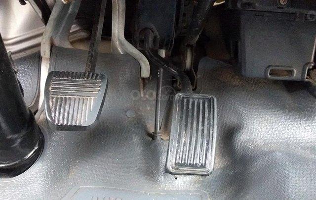 Toyota nhập khẩu sx 1995 máy 2.0 xe 4 cửa chạy 110.000km 9L/100km nội thất ghi máy xăng. Đăng kí 3 chỗ số tay, màu trắng12
