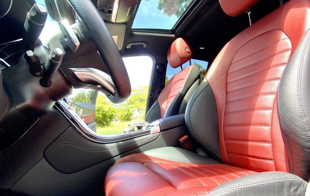 Bán GLC300 Coupe 2019 đen, nội thất đỏ, nhập nguyên chiếc, xe chạy 15.000km bao check hãng10