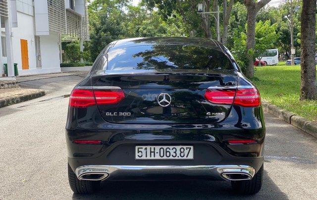 Bán GLC300 Coupe 2019 đen, nội thất đỏ, nhập nguyên chiếc, xe chạy 15.000km bao check hãng1