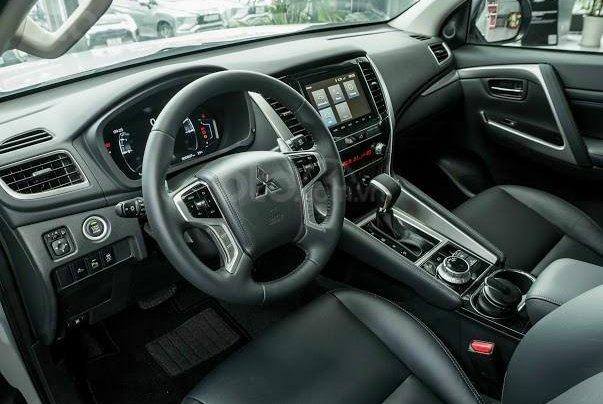 Quà tặng đặc biệt dành cho 300 khách hàng đầu tiên đăng ký mua xe Mitsubishi Pajero Sport đến 31/12/20203