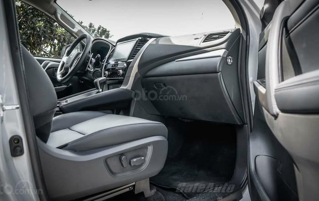 Quà tặng đặc biệt dành cho 300 khách hàng đầu tiên đăng ký mua xe Mitsubishi Pajero Sport đến 31/12/20202