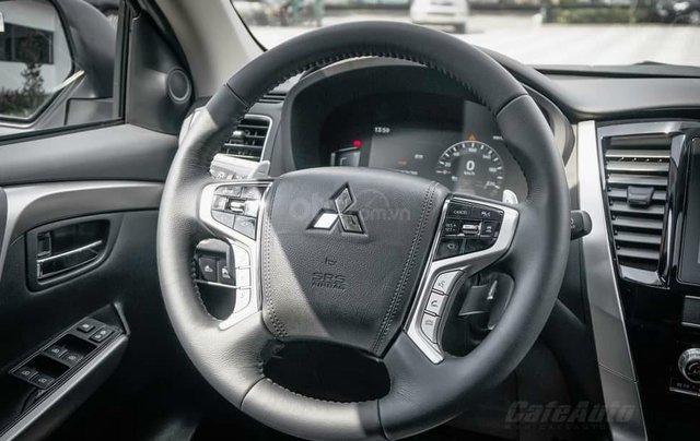 Quà tặng đặc biệt dành cho 300 khách hàng đầu tiên đăng ký mua xe Mitsubishi Pajero Sport đến 31/12/20205
