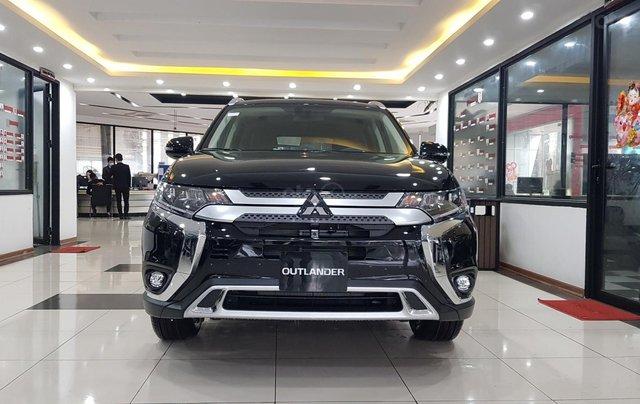 Mitsubishi Outlander 2.0 CVT Premium giá tốt nhất Hà Nội0