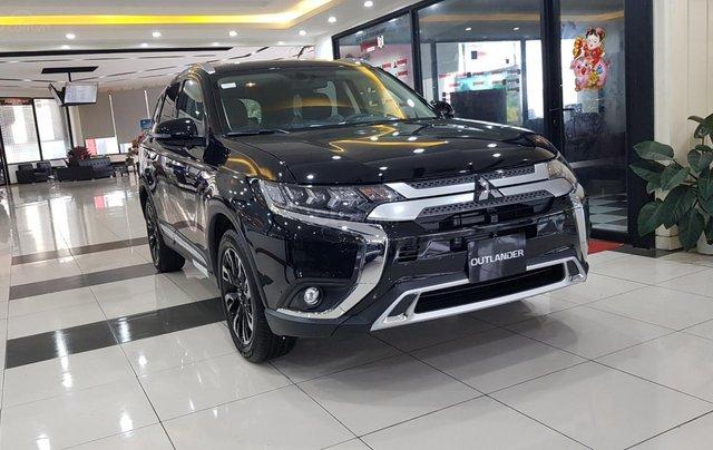 Mitsubishi Outlander 2.0 CVT Premium giá tốt nhất Hà Nội1