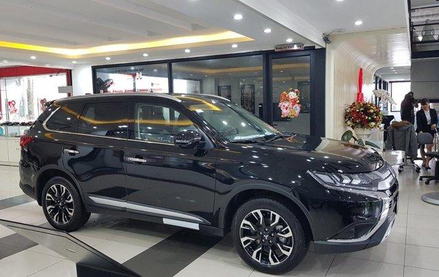 Mitsubishi Outlander 2.0 CVT Premium giá tốt nhất Hà Nội4