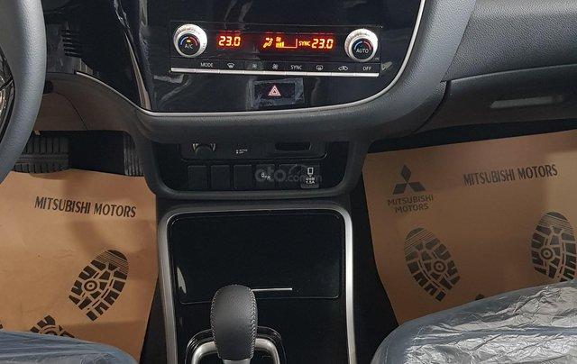 Mitsubishi Outlander 2.0 CVT Premium giá tốt nhất Hà Nội6