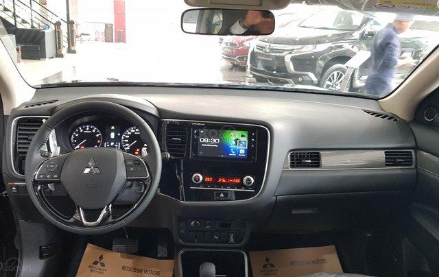Mitsubishi Outlander 2.0 CVT Premium giá tốt nhất Hà Nội7