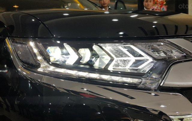 Mitsubishi Outlander 2.0 CVT Premium giá tốt nhất Hà Nội8