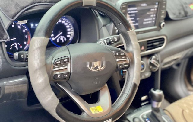 Cần bán Hyundai Kona sản xuất năm 2018 còn mới7