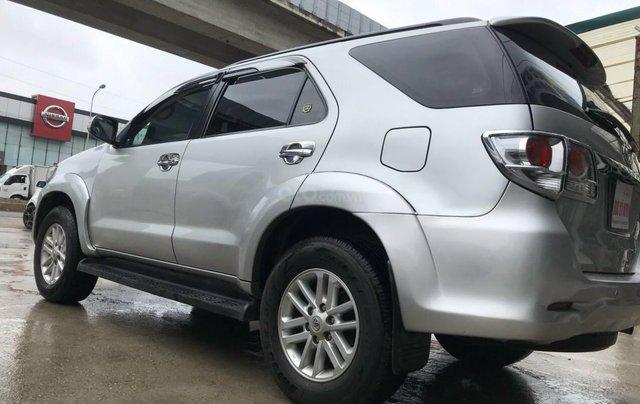 Bán xe Toyota Fortuner 2013, màu bạc1