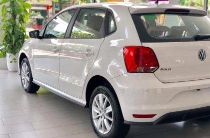 Cần bán nhanh chiếc Volkswagen Polo Hatchback sản xuất năm 2020, xe giá thấp, giao nhanh1