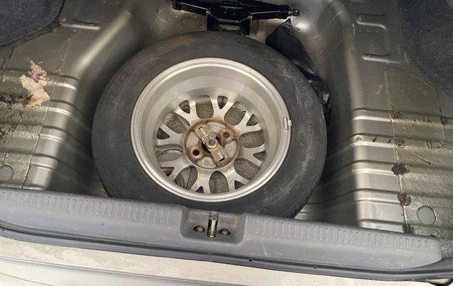 Cần bán gấp Mitsubishi Lancer GLX sản xuất năm 20048
