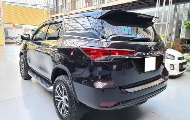 Bán Fortuner 2.8AT 2018 tự động máy dầu bản cao cấp nhập khấu, xe zin 100%3