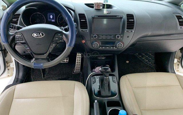 Bán xe Kia Cerato 2.0AT 2017 xe đẹp và trang bị nhiều tính năng nổi bật8