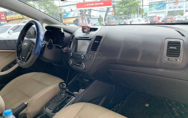 Bán xe Kia Cerato 2.0AT 2017 xe đẹp và trang bị nhiều tính năng nổi bật9