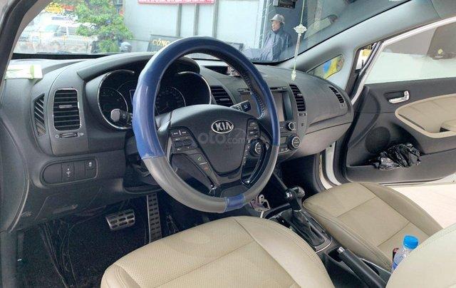 Bán xe Kia Cerato 2.0AT 2017 xe đẹp và trang bị nhiều tính năng nổi bật7